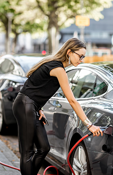 Assurance Véhicule Electrique de l'agence  Allianz Valreas - Claire TOURNIAYRE